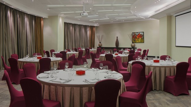 Four-Points-Lagos-Meeting-Room4–620×348-